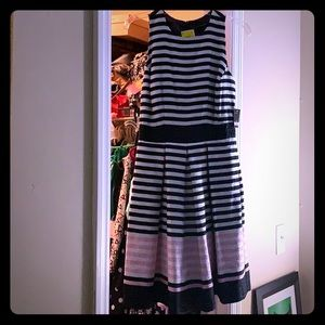 Size 6 just Taylor pink white blue stripes